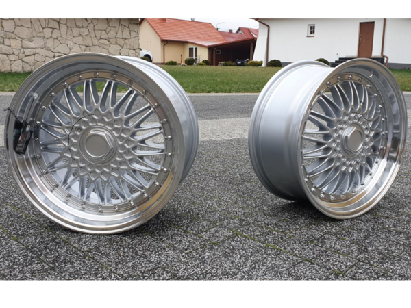 Forzza Malm 8,5x17 5x120 Silver / Lip Machined